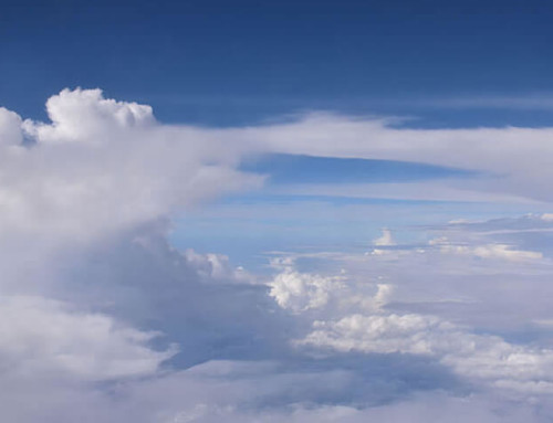 Kleine Teilchen führen zu helleren Wolken in den Tropen